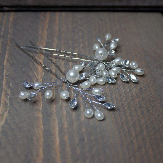 handgemaakte steekspeld met parels