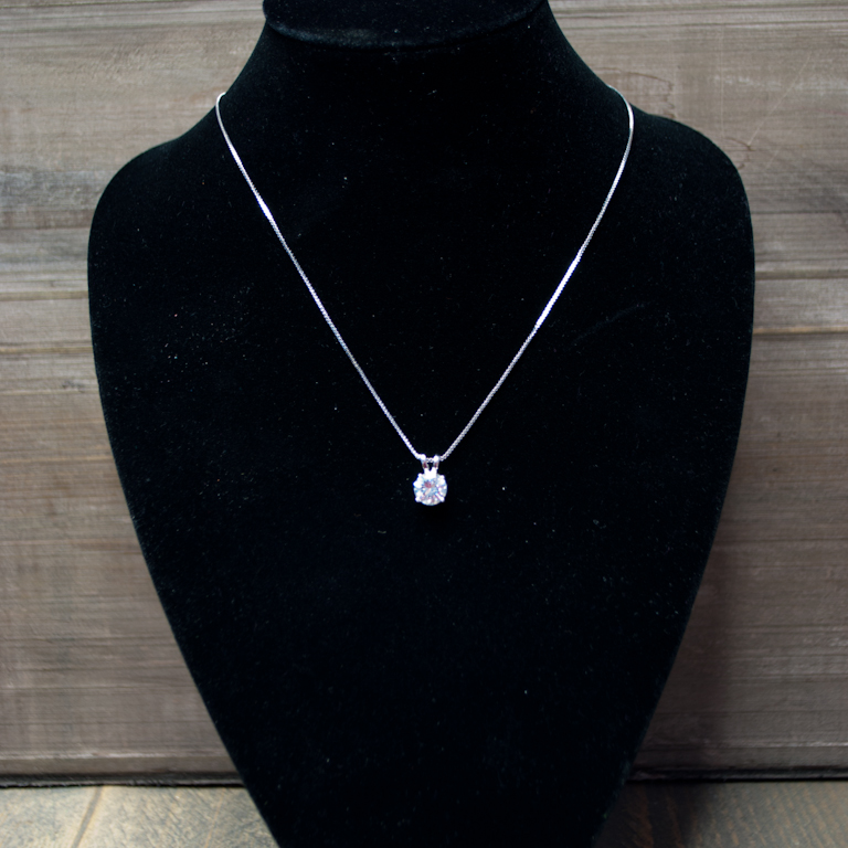zilver ketting met zirkonia steen